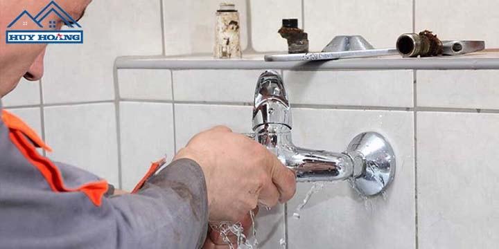 Thợ sửa ống nước tại nhà quận 4 chuyên nghiệp - xử lí nhanh chóng