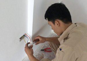 sửa chữa công tắc điện